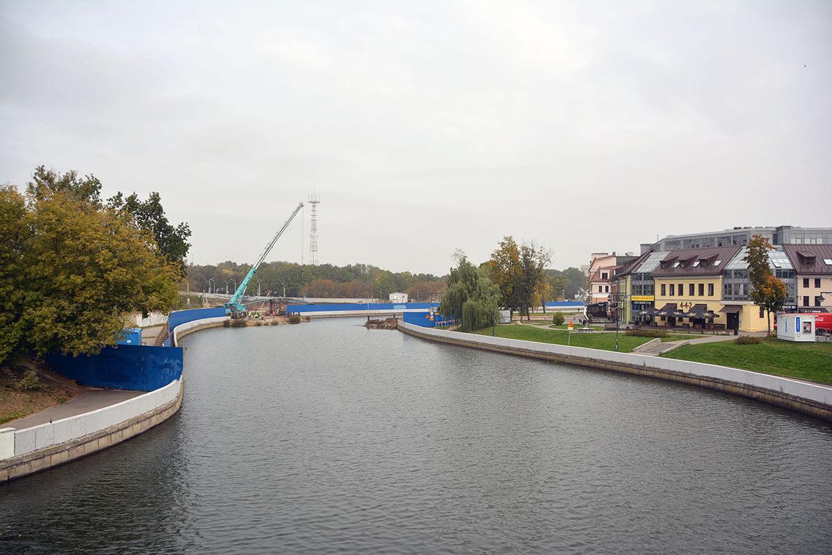 Поднятие моста на улице Зыбицкой